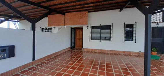 Se Vende Town House En Villas De Tipuro