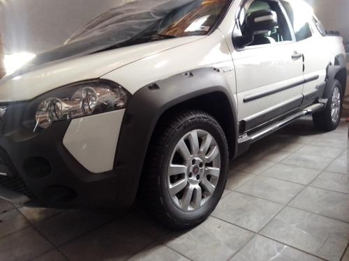 Fiat Strada 2014 1.8 16v Adventure Cab. Dupla Flex 3p