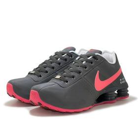 2e20a3666d8 Nike Shox Feminino - Nike para Feminino Cinza escuro no Mercado ...