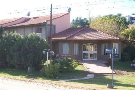 Villa Carlos Paz: Complejo De 4 Duplex: Cada Uno Consta De 3 Camas Completas De 1 Plaza, 1 Cama 2 Plazas, T.v F: 1507