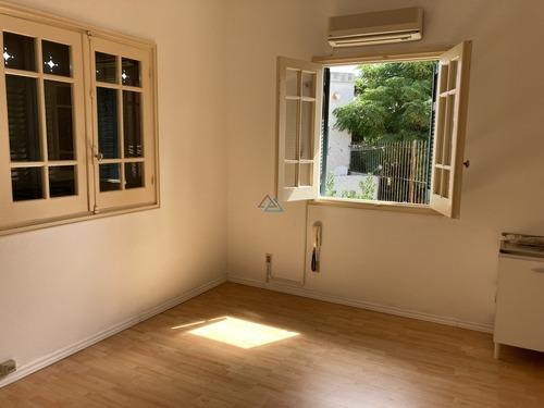 Venta Y Alquiler De Local Tipo Oficina Doble En El Corazon De Carrasco- Ref: 540