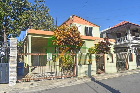 Casa De Oportunidad Economica En Santiago (trc-163)