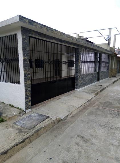Casa En Venta En La Urb La Fuente Turmero 04243745301