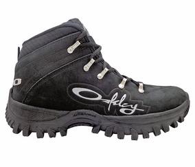 Bota Oakley Adventure Couro