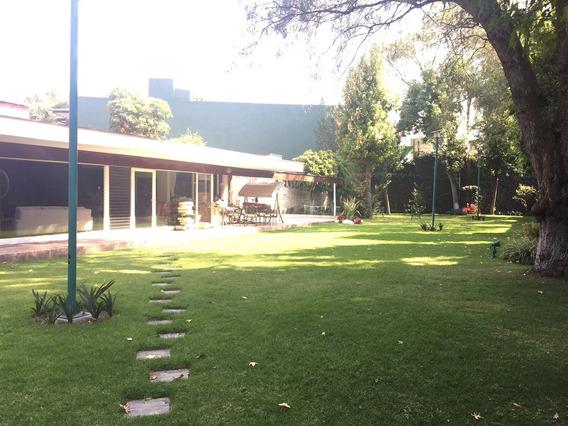 Jardines Del Pedregal, Bonita Casa Para Remodelar Con Espectacular Jardín