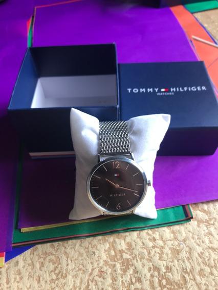 Relógio Tommy Hilfiger - Preto - Caixa Baixa - Ultra Slim
