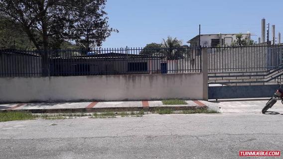 Casa En Venta En La Calle J Del Playon - Ocumare
