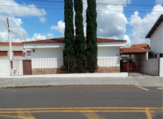 Casa Térrea - Bairro Nobre - Águas De Lindóia - Sp.