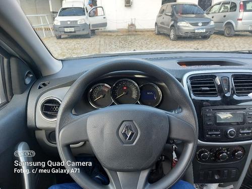 Imagem 1 de 5 de Renault Logan 2015 1.0 16v Expression Hi-flex 4p
