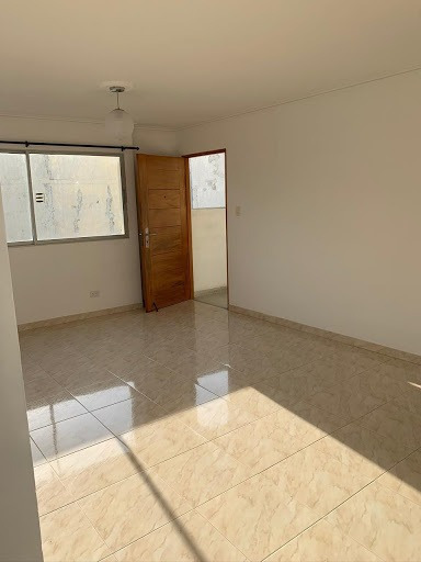Apartamento En Arriendo Crespo 168-4430
