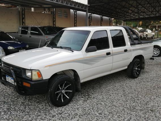 Toyota Hilux (permuto-financio)