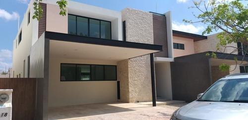 Casa Nueva En Renta En Merida En Privada Novara En Temozon Norte