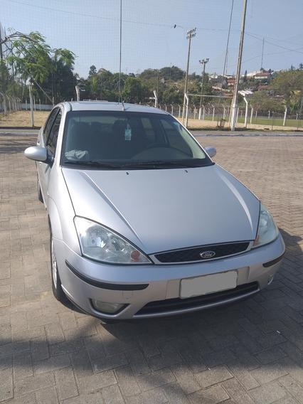 Ford Focus Sedan 2.0 Ghia Aut. 4p 130 Hp Prata