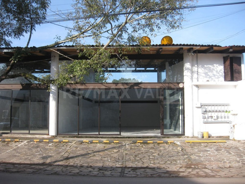 Imagen 1 de 9 de Local Comercial En Renta