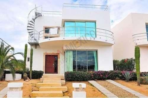 Se Vende Casa De 3 Recámaras En El Tezal Con Vista Al Mar, A 5 Minutos Del Centro De Cabo San Lucas