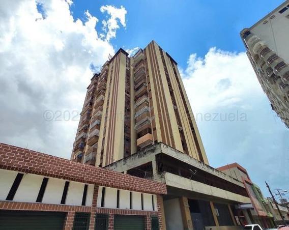 Apartamento En Venta Maracay Zona Centro Cod 20-24112 Sh
