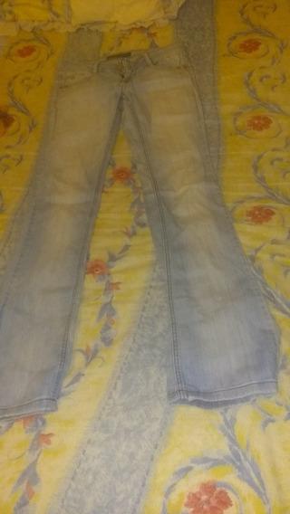 Jeans Bershka Para Damas ,talla:34.usado