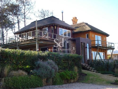 Casa En Venta, Espectacular Ubicación - 4 Dorms- Ref: 12012