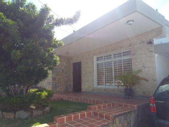Casa En Venta En Barquisimeto, El Este Al 20-175