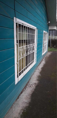 Casa De 2 Cuartos Y Un Baño Con Garage Propio