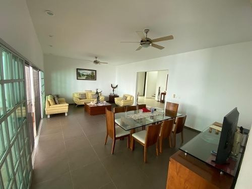 Espectacular Residencia En Venta Muy Amplia Sm16 Con Alberca