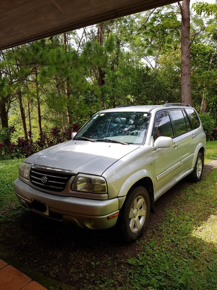 Suzuki Grand Vitara 2001, Motor V6 (2.7 L), Gris, 4x4