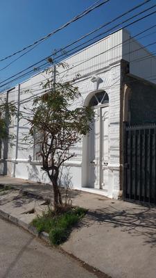 Habitación Grande Plaza Egaña - Solo Mujeres