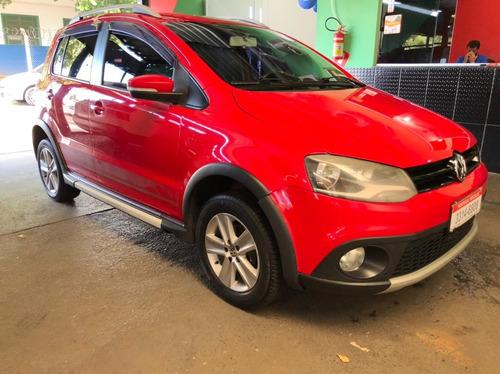 Imagem 1 de 14 de Volkswagen Crossfox 1.6 Vermelho 2011