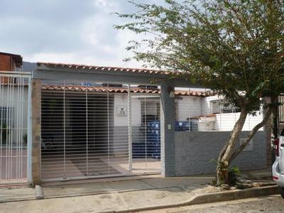 Mz Vende Expectacular Casa En San Diego La Esmeralda