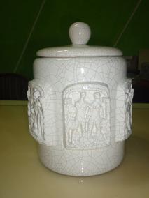 Pote De Porcelana Faiança Com Escultura Humana Antigo