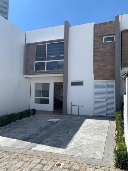 887- Casa En Venta En Lomas De Angelopolis, Puebla