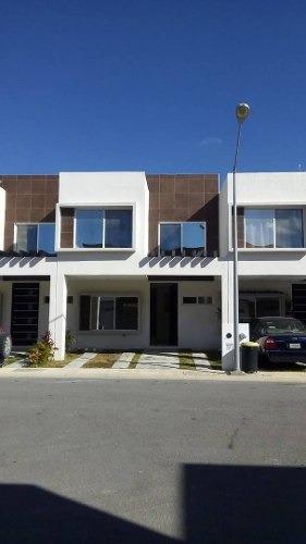 Casa En Renta Calle Hector, Conjunto Habitacional Jardines Del Sur