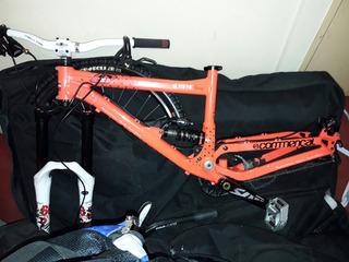 Bicicleta Mountain Descenso Commencal Supreme