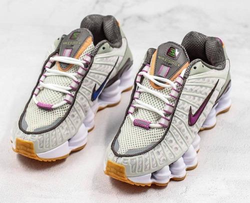 melhor nova aparência nos pés em kanui nike shox