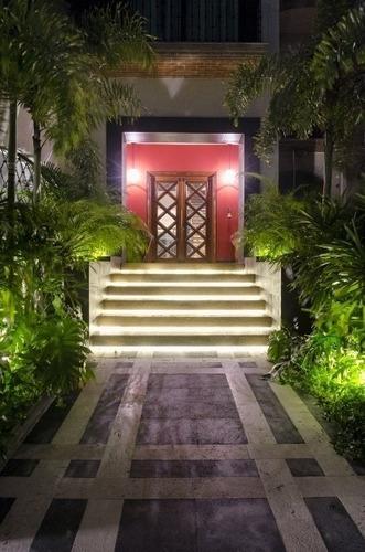 Lujosa Casa En Venta En La Playa. Cancun