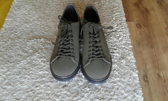 Sapato Tipo Tênis Em Camurça