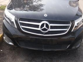 Mercedes Benz Minivan Clase V Negro Obsidiana