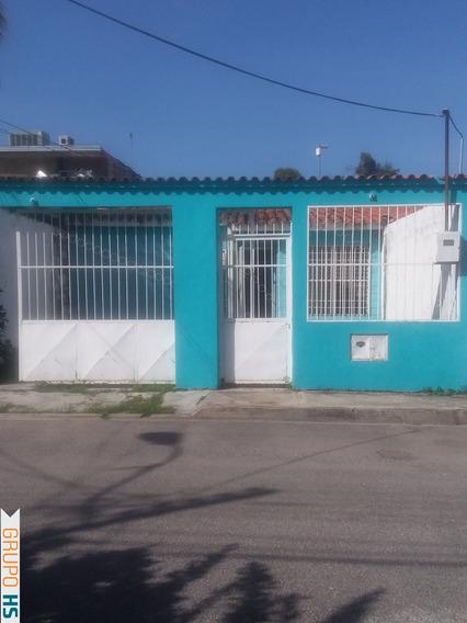 Casa En Venta En Urbanizacion La Macarena