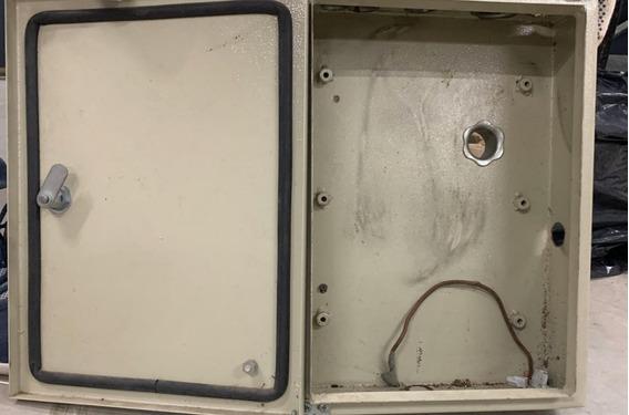 Caja Capacitores Y Termicas