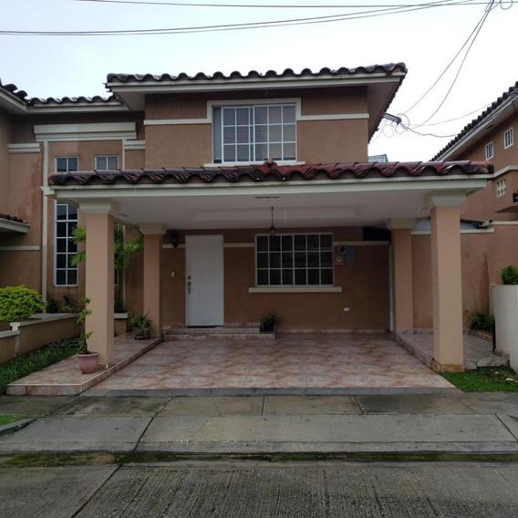 Casa En Venta En Condado Del Rey 19-7885hel**