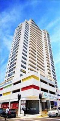 Edificio Nuevo Barrio / Oscar Bonilla