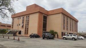 Oficina En Alquiler Zona Industrial Código 20-8953 Polo