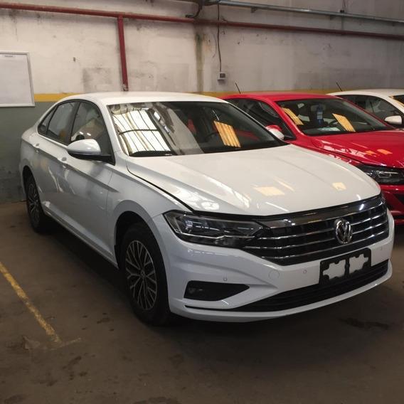 Volkswagen Vento 1.4 Comfortline 150cv At Te= 11-5996-2463