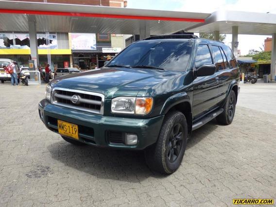 Nissan Pathfinder Lux