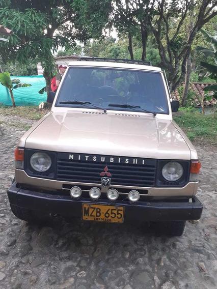 Campero Mitsubishi 2600