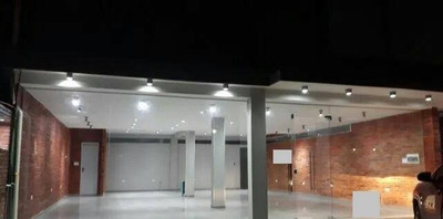 Alquilo Salon En Fernando De La Mora Zona Fundación Vision