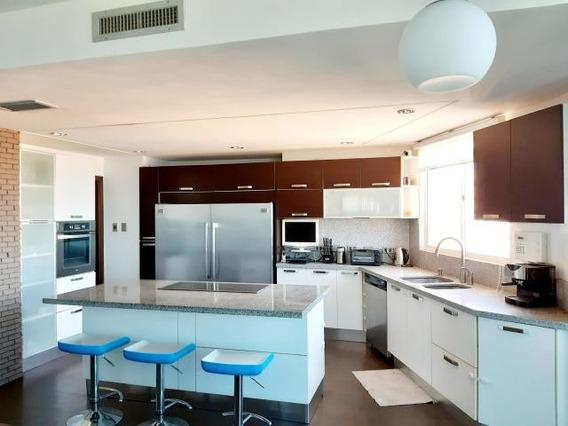 Apartamento En Alquiler El Milagro Maracaibo Mls #20-10693