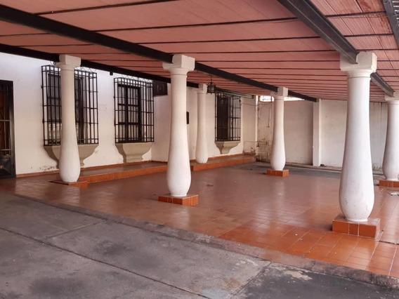 Casa En Venta En Andres Bello, 480 Metros, Oim, Cod. 20-6133