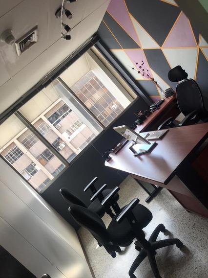Moderna Oficina Amoblada Y Lista Para Comenzar