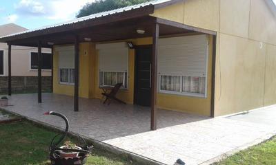 P710. Casa En Venta Playa Grande, Entrega 50 Mil Dolares